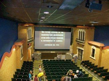 Garden Theatre Runs First Film In 45 Years Cinema Treasures